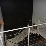 scala con gradino in gres porcelanato